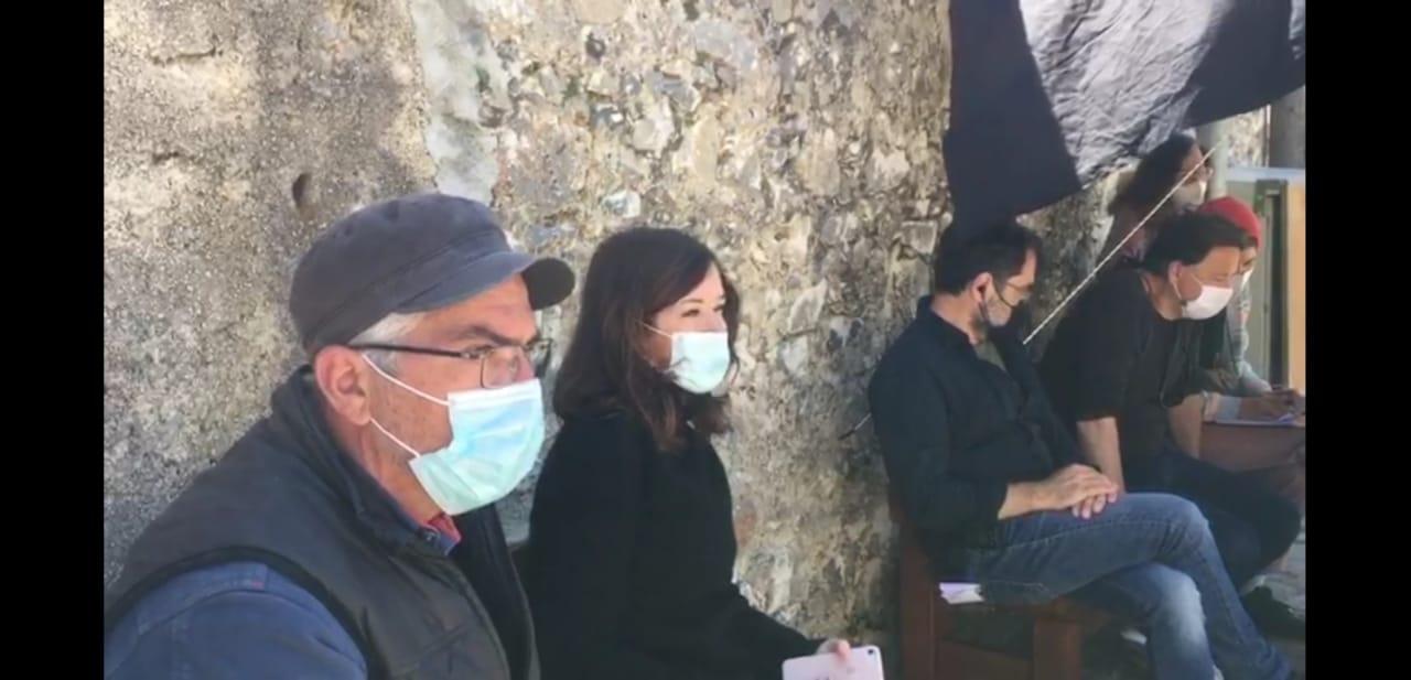 «Καρτ ποστάλ»: με τους Μυρτώ Αλικάκη, Ανδρέα Κωνσταντίνου και Ναταλία Σουίφτ τα γυρίσματα του νέου επεισοδίου της σειράς