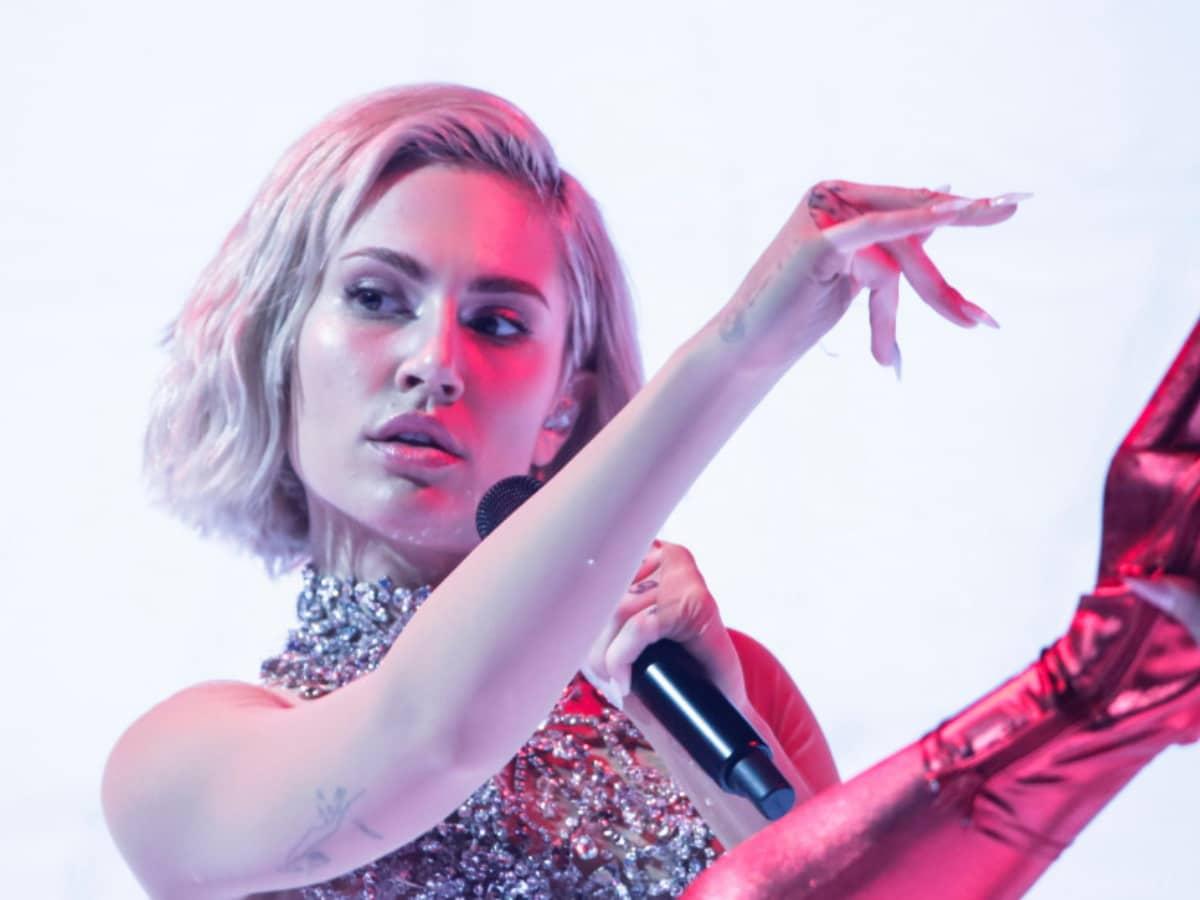 Eurovision 2021 – Mike για Έλενα Τσαγκρινού: «Μιλήσαμε μετά την πρόβα και ήταν έτοιμη να βάλει τα κλάματα»