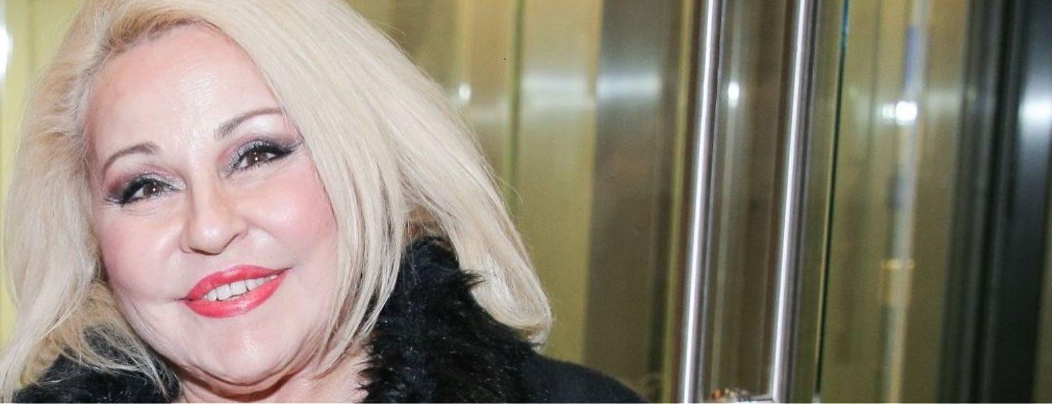 Μπέσυ Αργυράκη: «Αυτό που νιώθω πάνω στη σκηνή και το αλισβερίσι συναισθημάτων με τον κόσμο και μου έχει λείψει»