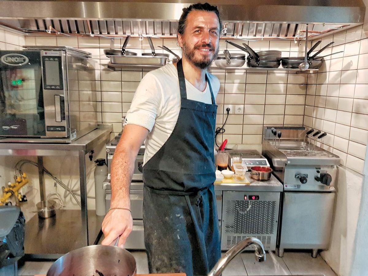 Masterchef - Τζιοβάνι Σκαράτζι: αυτούς περίμενε με λαχτάρα να πάνε στο εστιατόριό του στη Ρόδο! (φωτο)
