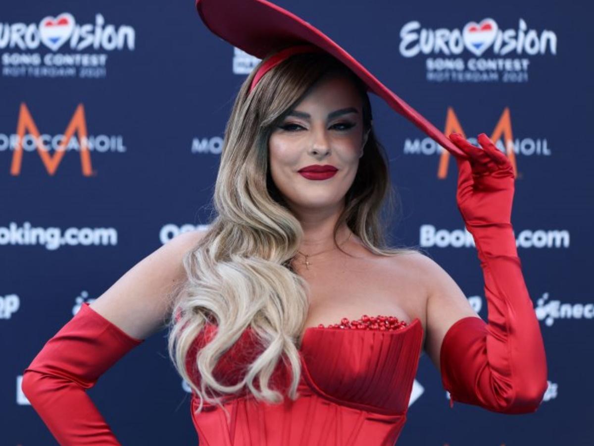 "Eurovision: Η εκπρόσωπος της Αλβανίας δίνει εξηγήσεις για τον ξυλοδαρμό δύο Ελληνίδων ""Με πρόσβαλαν και μίλησαν ρατσιστικά για τη χώρα μου"""