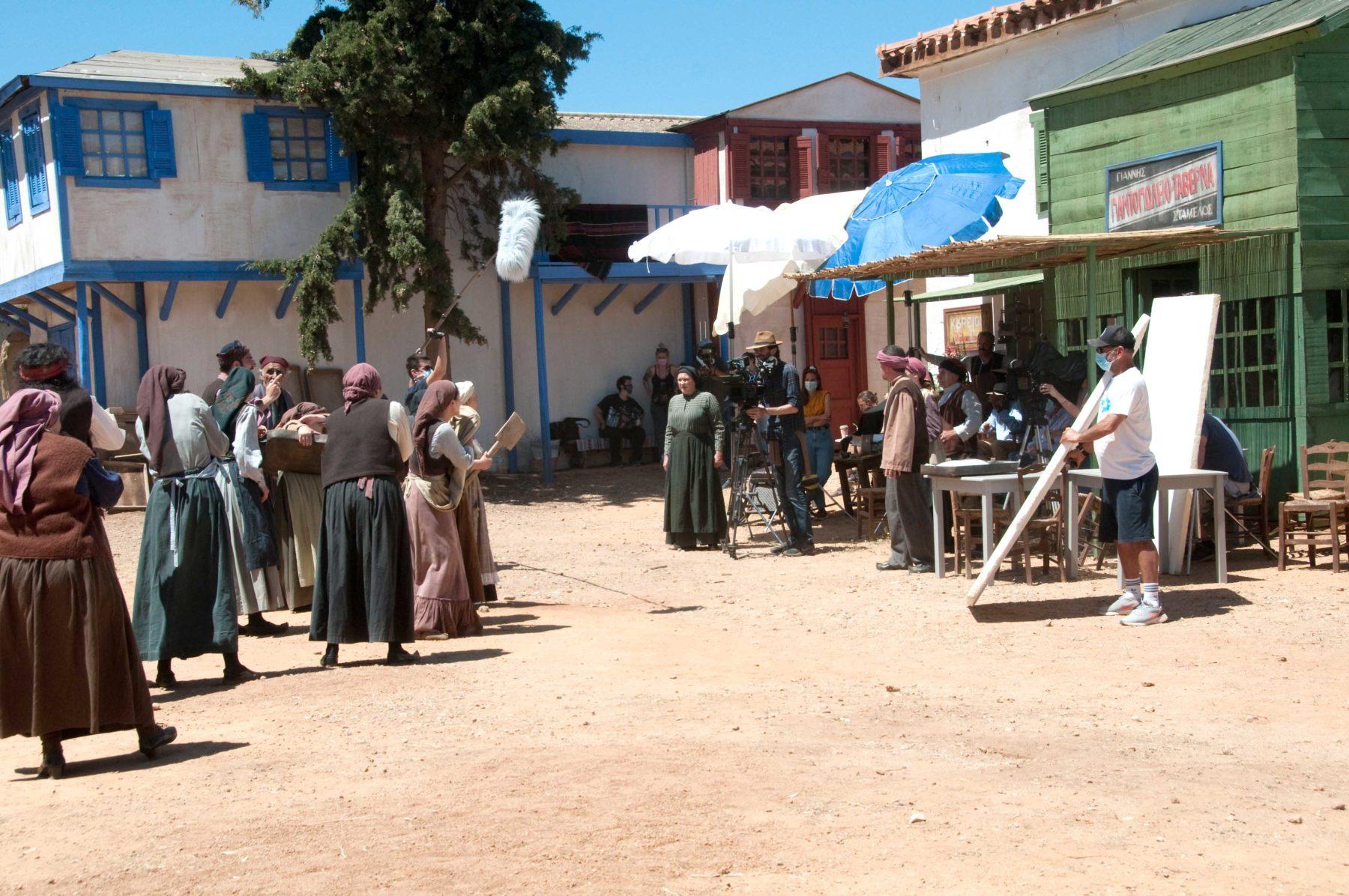 Στα γυρίσματα της νέας σειράς της ΕΡΤ, σε σκηνοθεσία Μανούσου Μανουσάκη