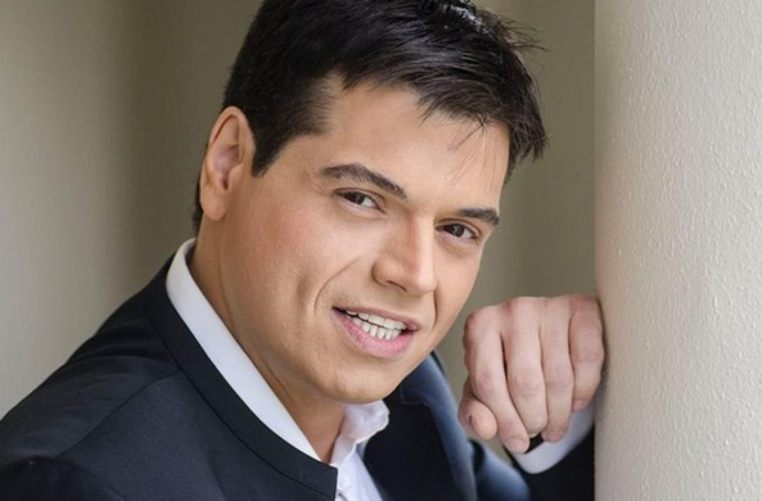 Γιώργος Δασκαλάκης: ο τραγουδιστής που έχασε 190 κιλά, δίνει μάχη για τη ζωή του