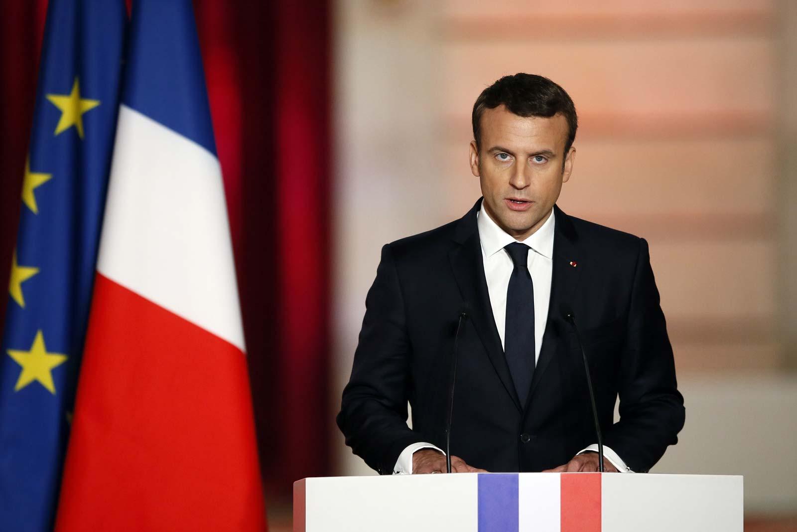 Γαλλία: Πολίτης χαστούκισε τον Εμανουέλ Μακρόν κατά τη διάρκεια προεκλογικής περιοδίας