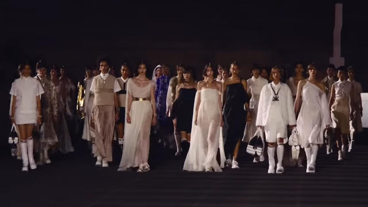 Dior Cruise 2022: η εντυπωσιακή επίδειξη μόδας στην καρδιά της Ελληνικής Ιστορίας (φωτογραφίες)