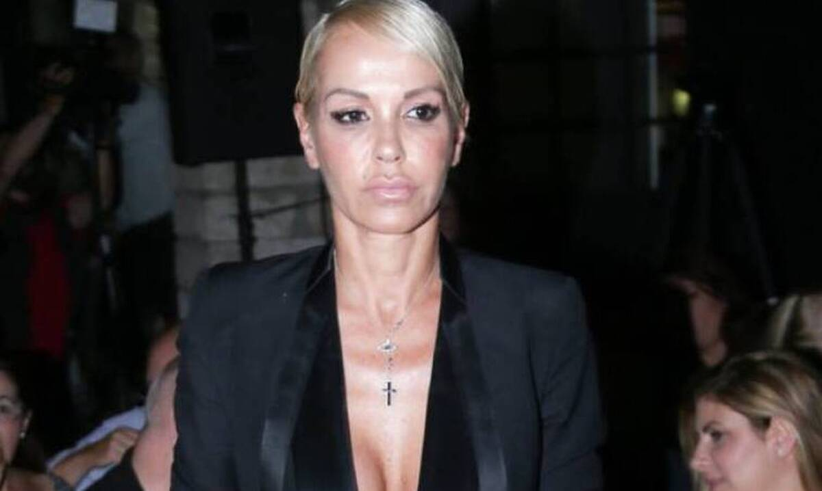 Νατάσα Καλογρίδη: Πόζαρε γυμνή φορώντας μόνο πανάκριβα κοσμήματα! [φωτογραφίες]