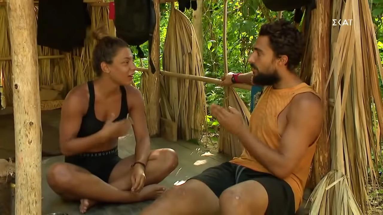 Survivor 4: «Αυτή είναι η Ελένη, που θέλει να τους φιλιώνει όλους, αλλά από πίσω τους ανακατεύει»