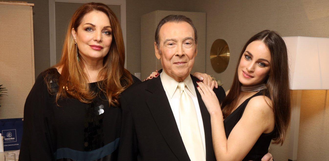 Τόλης Βοσκόπουλος: Σε αυτό το σπίτι έμενε με την Άντζελα Γκερέκου και την 20χρονη κόρη τους [φωτογραφίες]