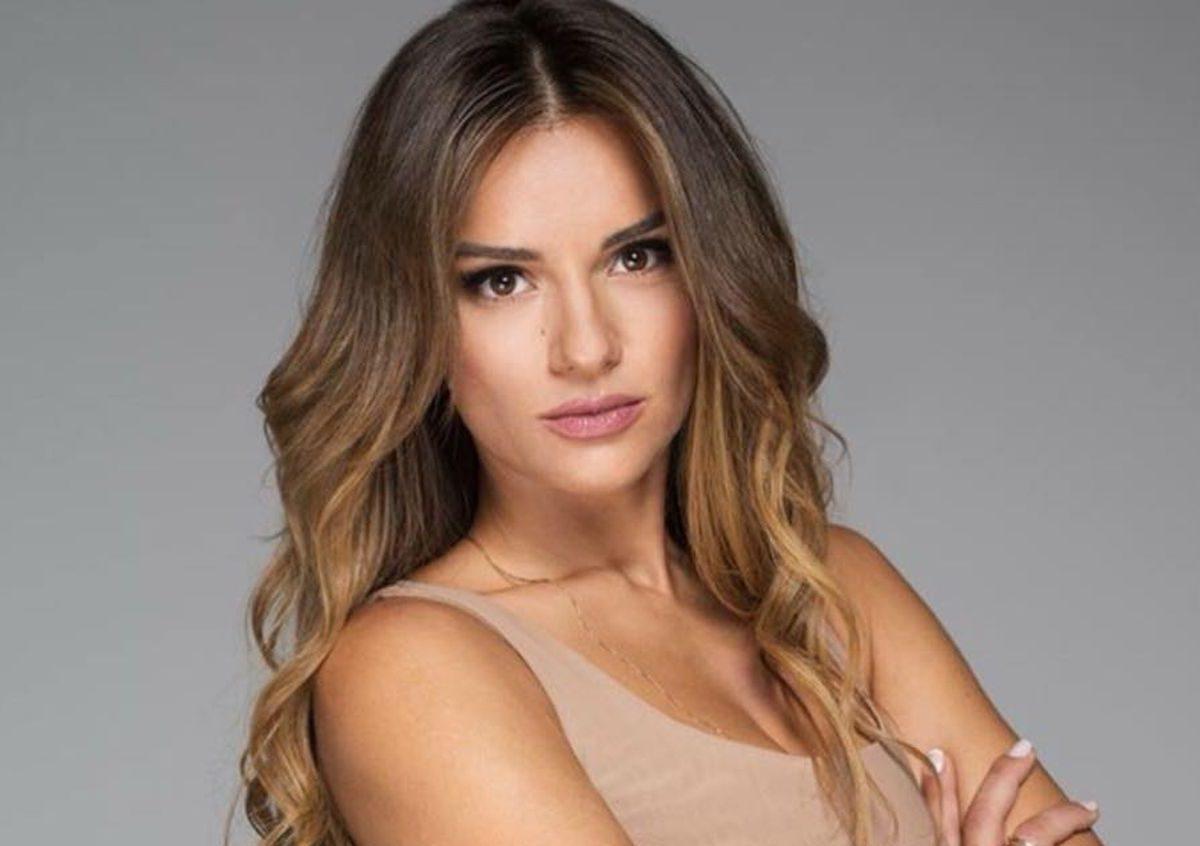 Ελένη Τσολάκη: «Δεν έχω απαντήσει ποτέ σε κανέναν, ακόμα και για σχόλια που με αφορούν και με έχουν ενοχλήσει»