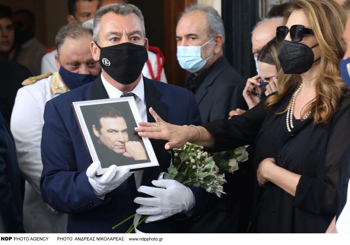 Τόλης Βοσκόπουλος: το τελευταίο αντίο στον μεγάλο καλλιτέχνη