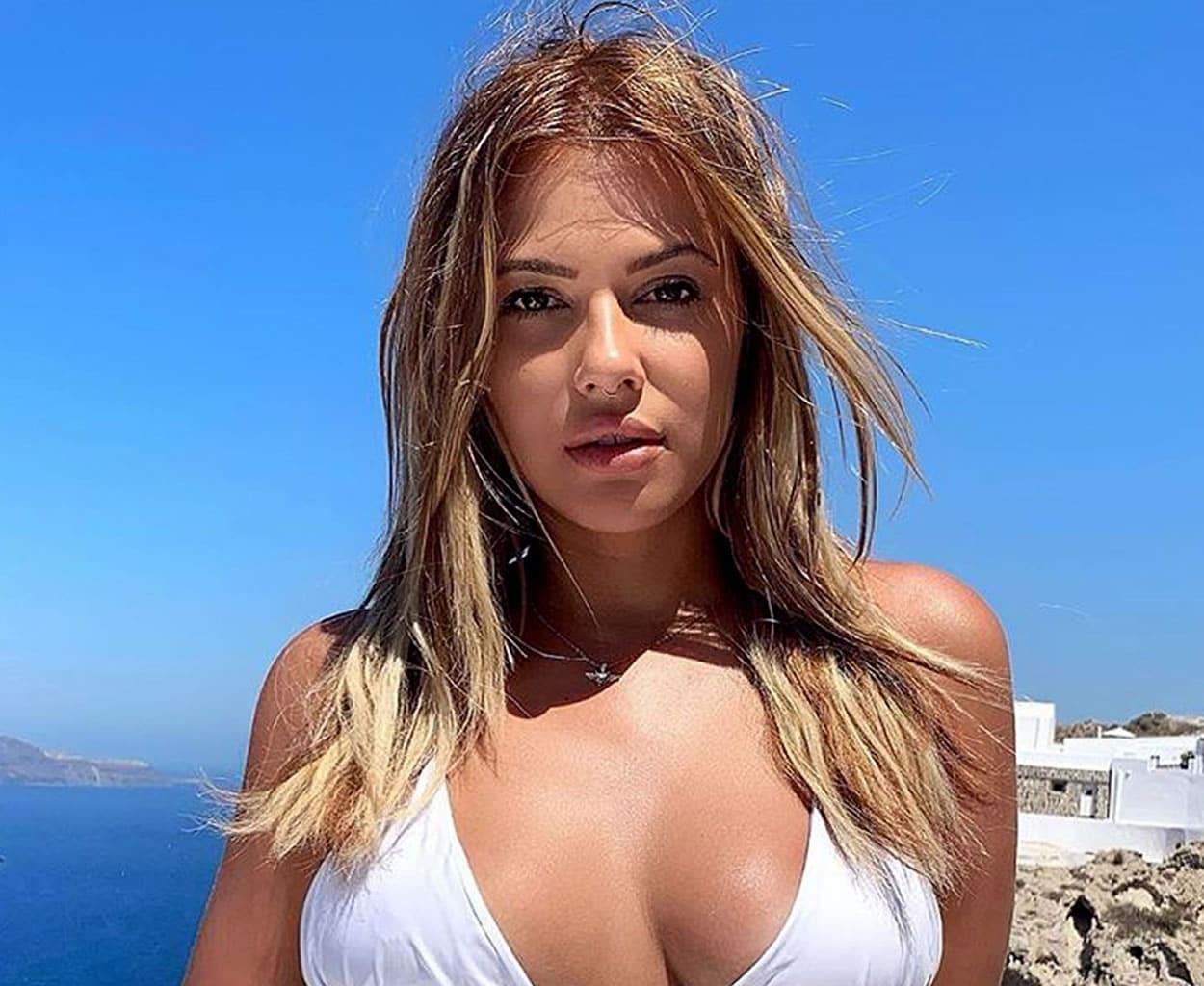 Λάουρα Νάργες: με ποιον τραγουδιστή απολαμβάνει τις διακοπές της! Οργιάζουν οι φήμες ότι κάτι τρέχει ανάμεσά τους