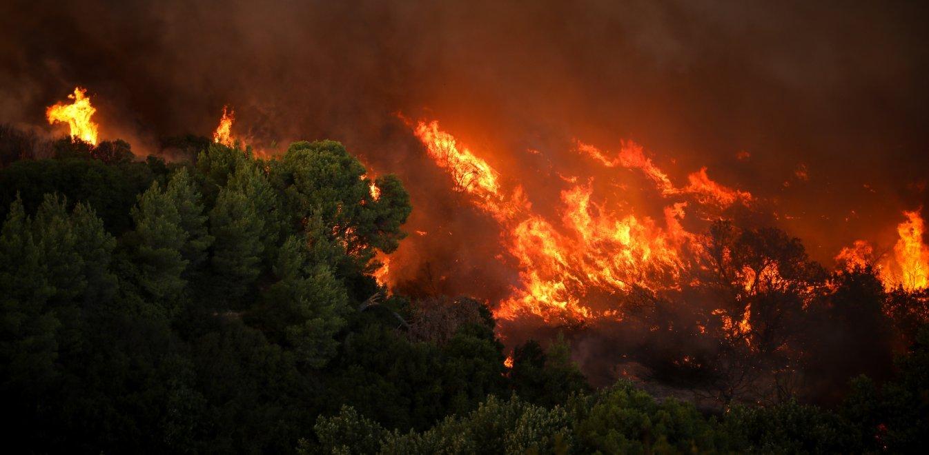 Μάχη με την φωτιά : Δραματικές οι ώρες
