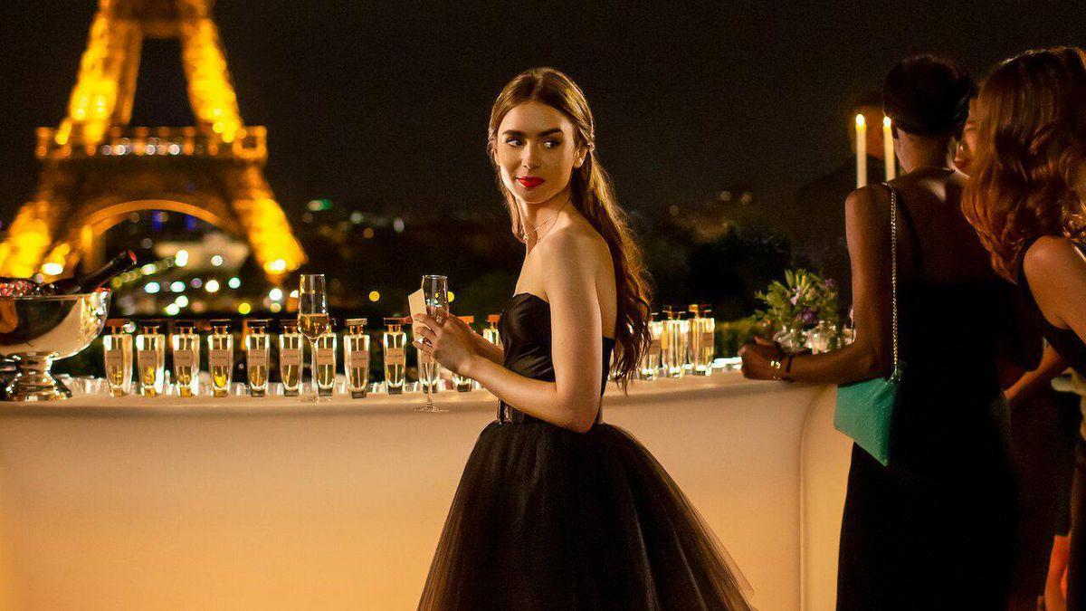 Emily in Paris: Δείτε τις πρώτες φωτογραφίες από τον δεύτερο κύκλο