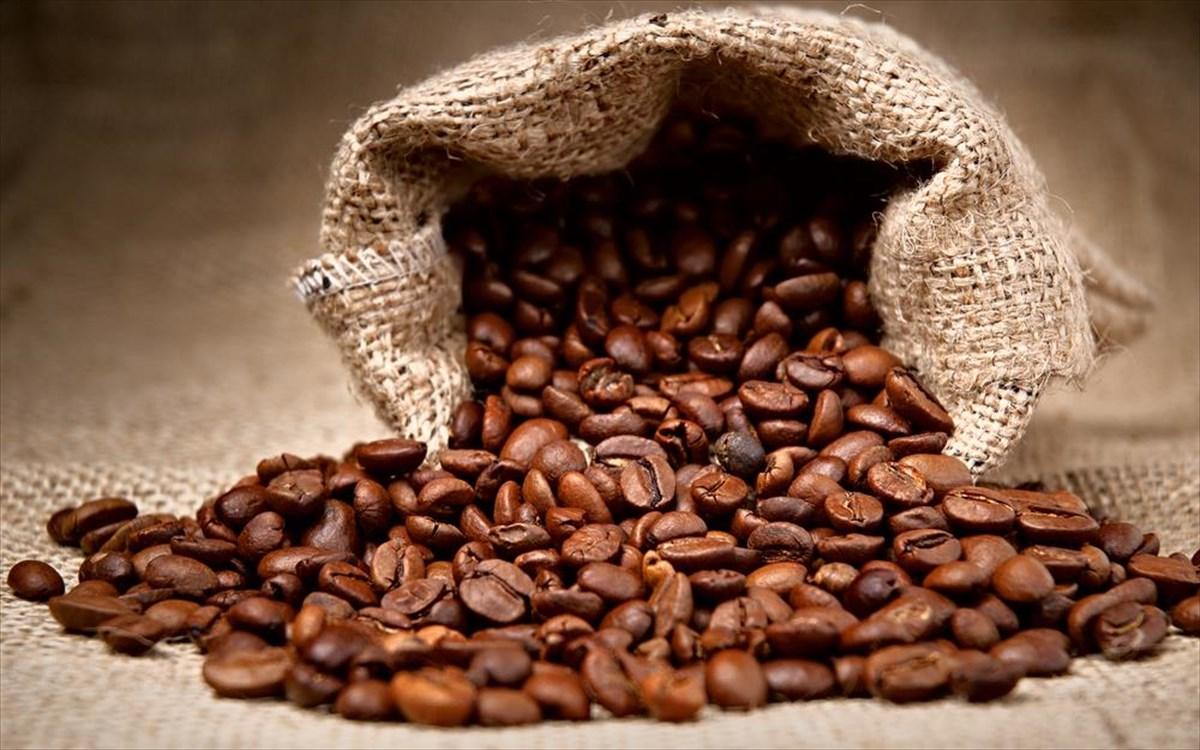 Το παράδοξο του καφέ: Πότε προκαλεί κόπωση, ατονία και νύστα