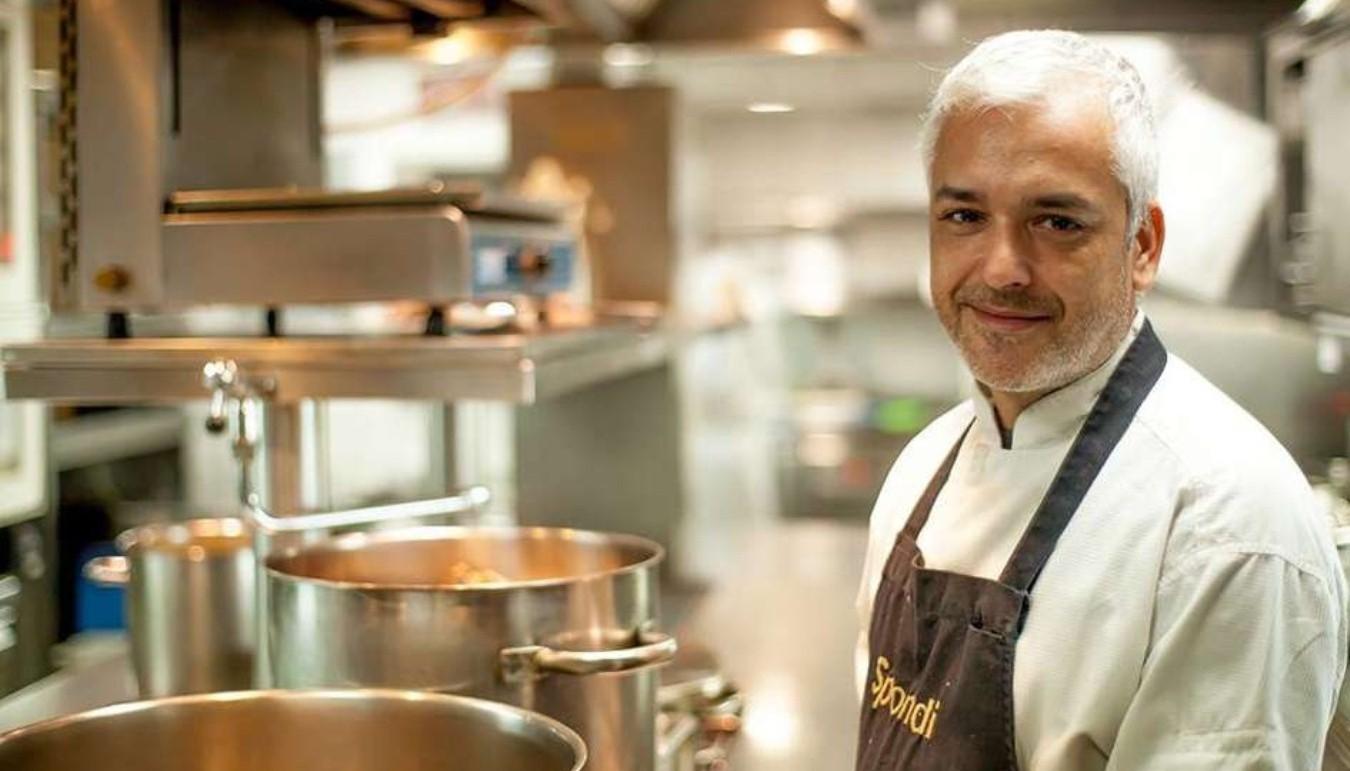 Game of Chefs - Άγγελος Λάντος: «Αν δεν αγαπάμε κάτι, όσο κι αν το μελετήσουμε, δεν θα το κάνουμε ποτέ με μεράκι»