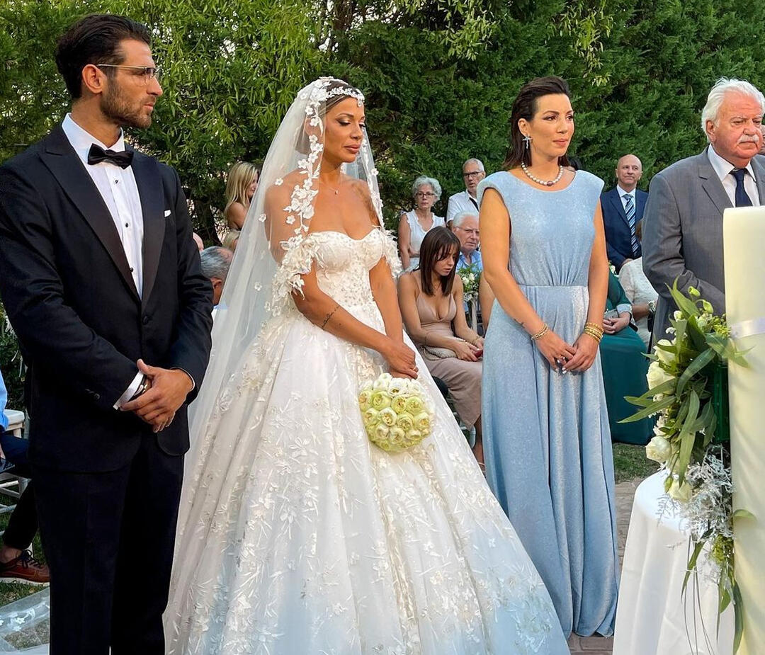 Eλένη Χατζίδου: «Παντρεύτηκα τον άντρα των ονείρων μου»