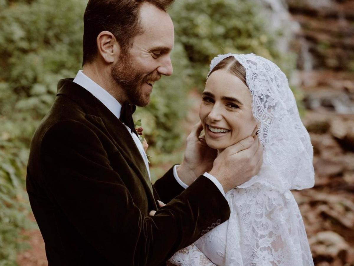 Λίλι Κόλινς: Παντρεύτηκε η πρωταγωνίστρια του «Emily in Paris» [φωτογραφίες]
