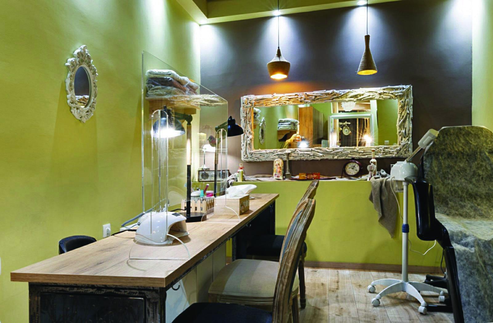 Nails Spa Bar