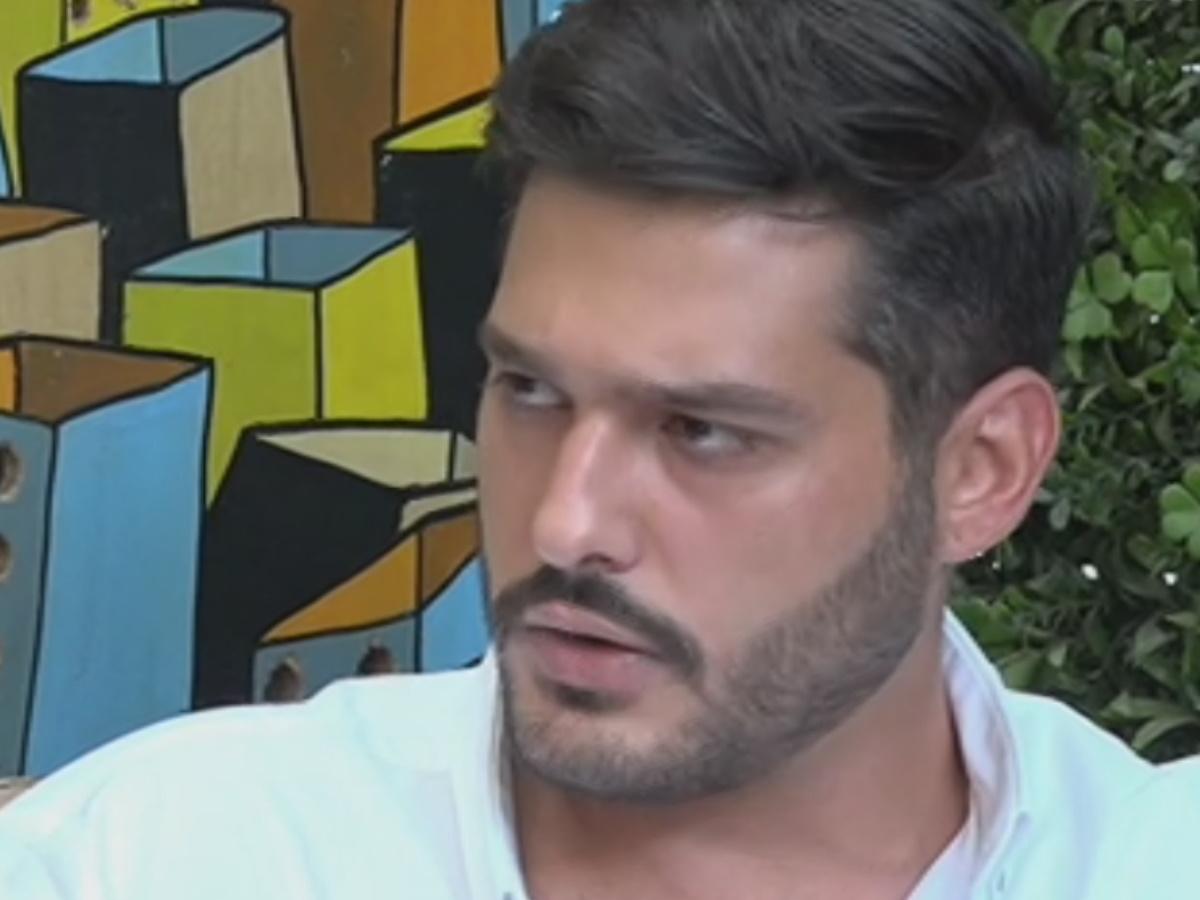 Ο γιος του Γιώργου Παπαδάκη, Φοίβος, μίλα πρώτη φορά για την δημοσιογραφία και τον πατέρα του