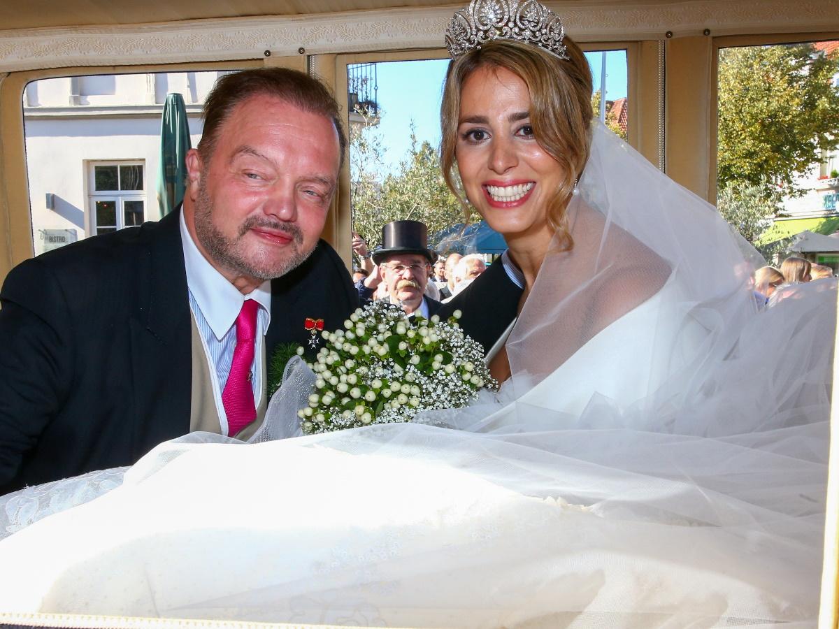 Πρίγκιπας Αλεξάντερ: Παντρεύτηκε για τρίτη φορά - Παρούσα και η πρώην σύζυγος [φωτογραφίες]