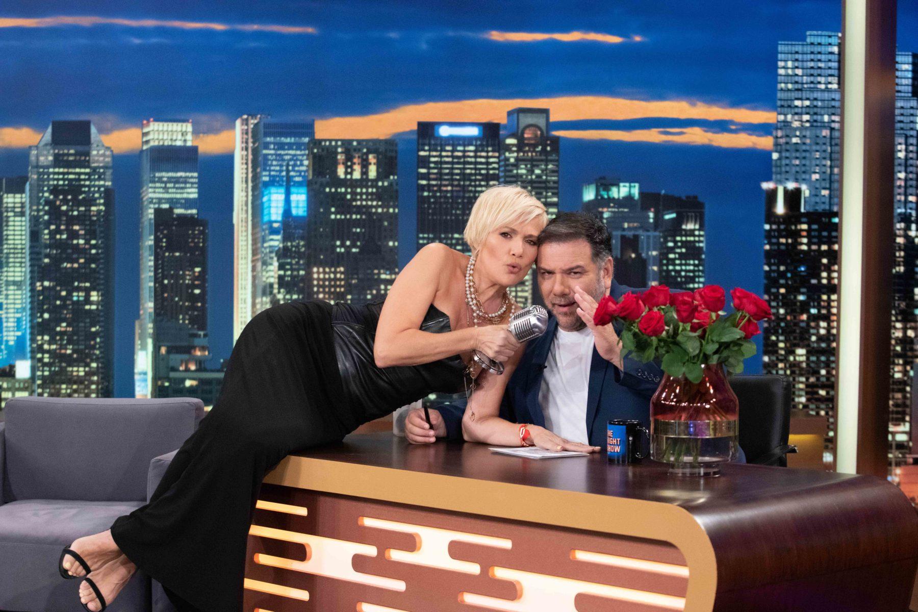 The 2 night show: 'Ηβη Αδάμου και Κωνσταντίνα Μιχαήλ οι απόψινές καλεσμένες του Γρηγόρη Αρναούτογλου