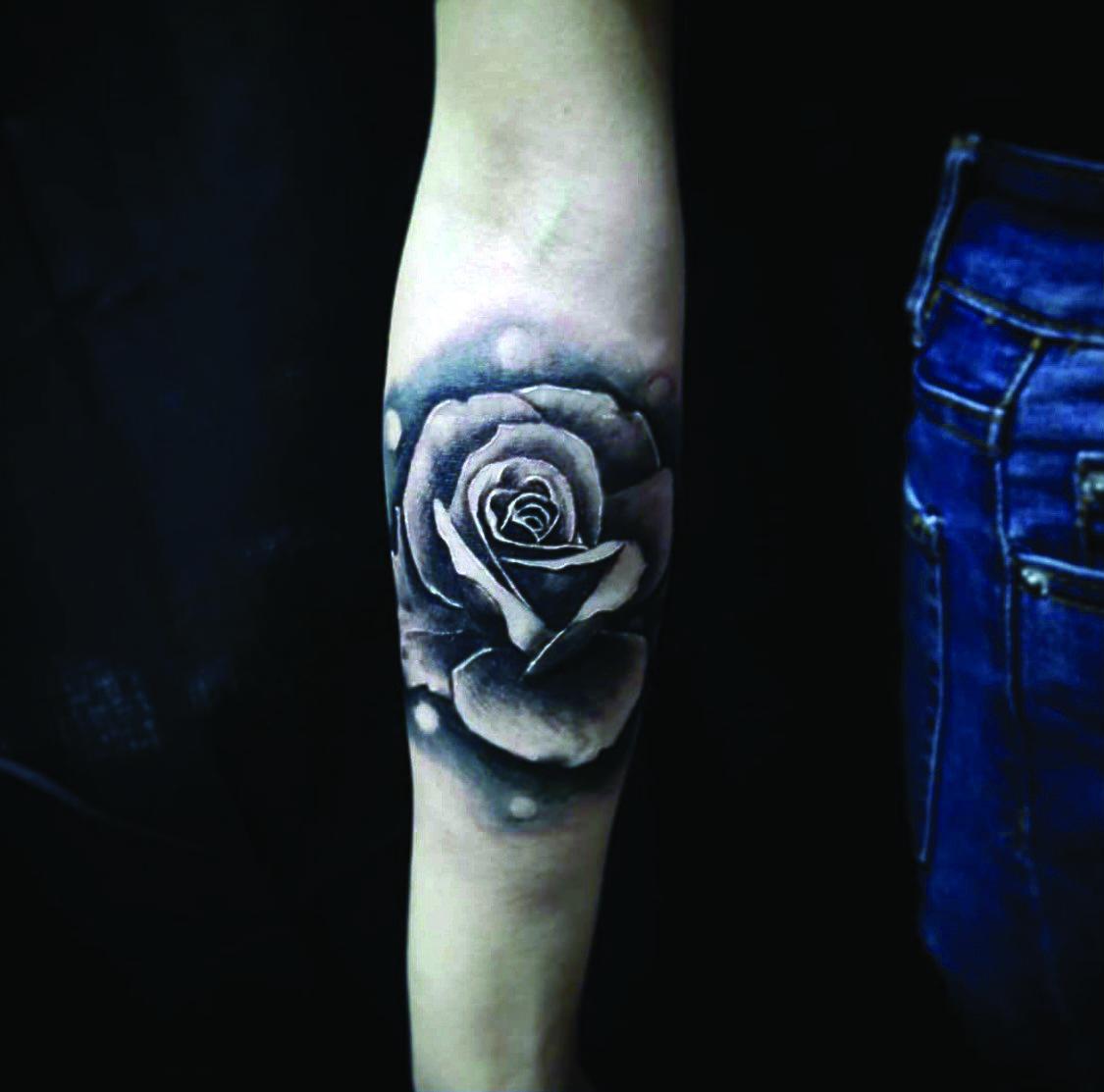 Dark Ink Tattoo