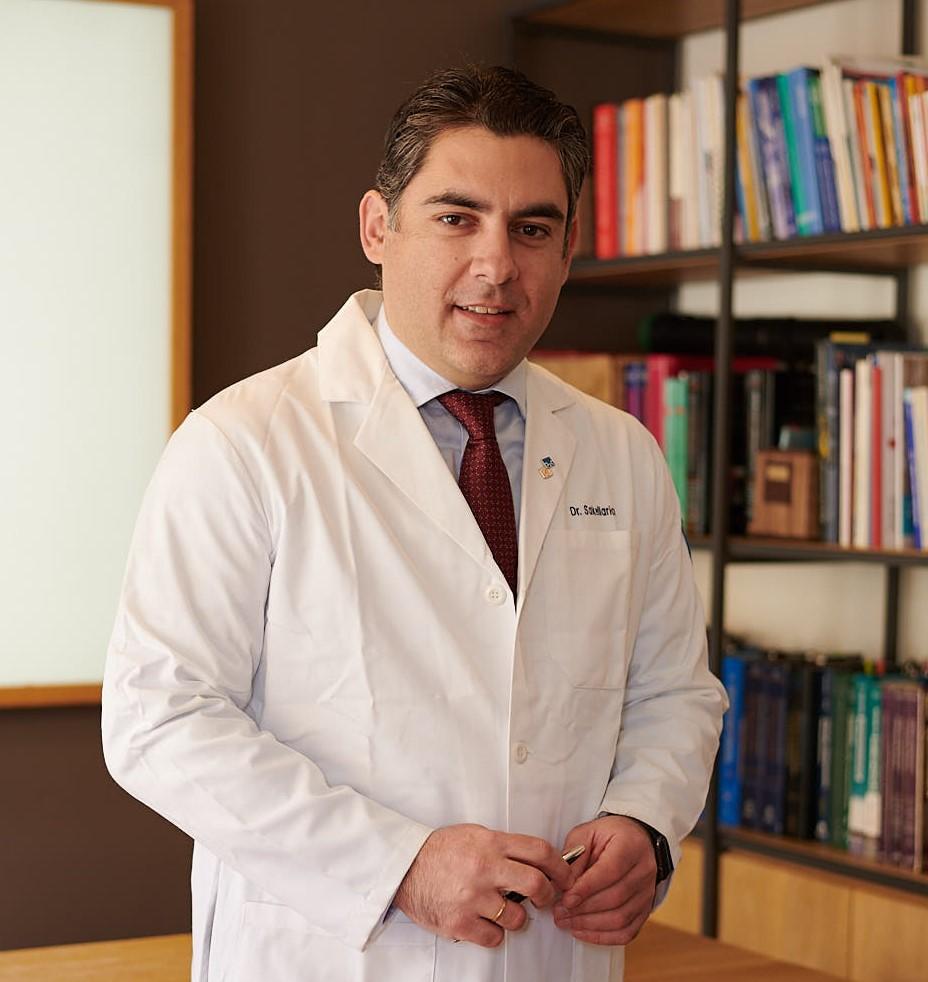 Eλάχιστα επεμβατική χειρουργική Ισχίου και Γόνατος - Ο Βασίλειος Ι. Σακελλαρίου, Ορθοπαιδικός Χειρουργός